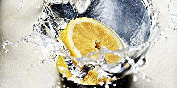 Lemon slice in water.